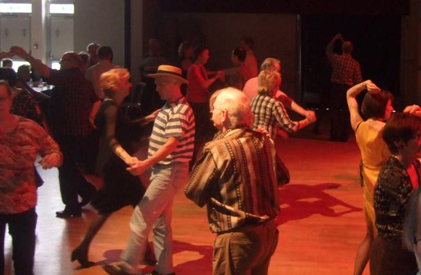 Thé-dansant-guinguette-musette-2013