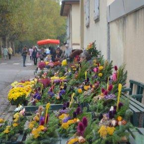 Toussaint : des fleurs et du monde
