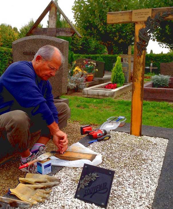 Entretien de la tombe de Lucien Bonner © Photo Souvenir Français