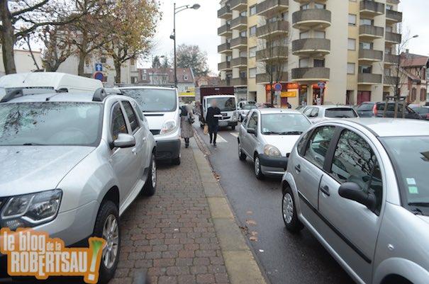 Aidons les commerçants de la Robertsau : diminuons la place de la voiture !