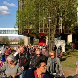 Nouvelle action des associations contre la fermeture des berges du Parlement européen