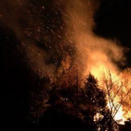 Impressionnant incendie quai Jacoutot