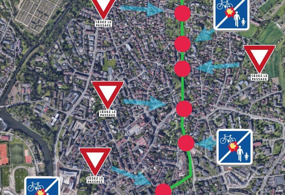 Piste cyclable le long du tram : Cédez le passage aux voitures !
