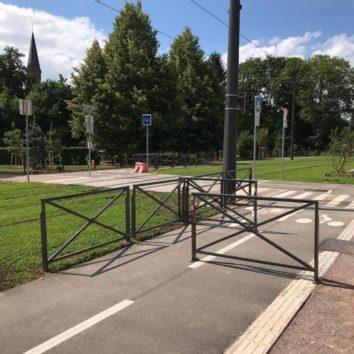 Tram E : La chicane agace les cyclistes et les parents d'élèves