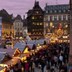 Quand un robertsauvien réveille nos souvenirs et nos émotions au marché de Noël de Strasbourg-Cathédrale