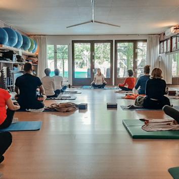 Cours de Yoga chez Nanou Beauté