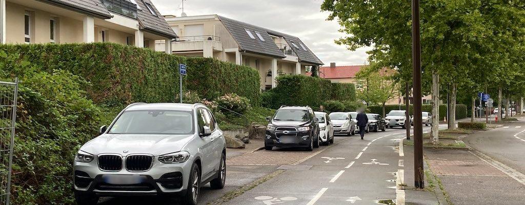 Route de la Wantzenau, la ville s'attaque (enfin) au stationnement sauvage sur les trottoirs