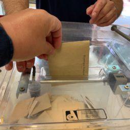 Aux urnes citoyens : c'est le premier tour des élections Régionales et Départementales